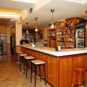 bar del hostal-min